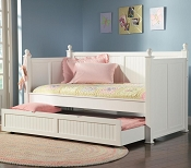 Wastal White Daybed with Trundle